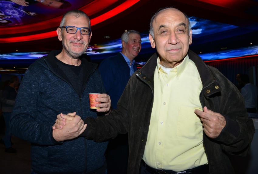יצחק סוארי ומוטי זינגר (צילום: תמר מצפי)