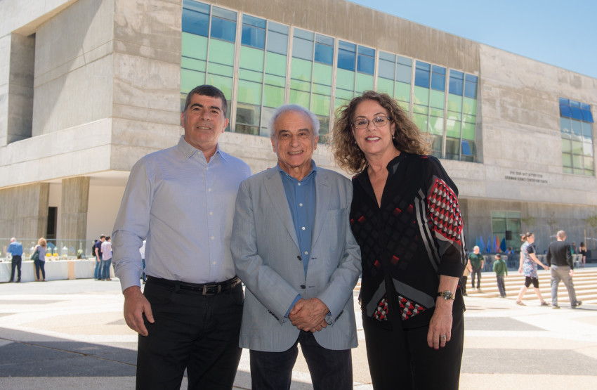 רבקה, כרמי, דניאל חוסדמן וגבי אשכנזי (צילום: דני מכליס)