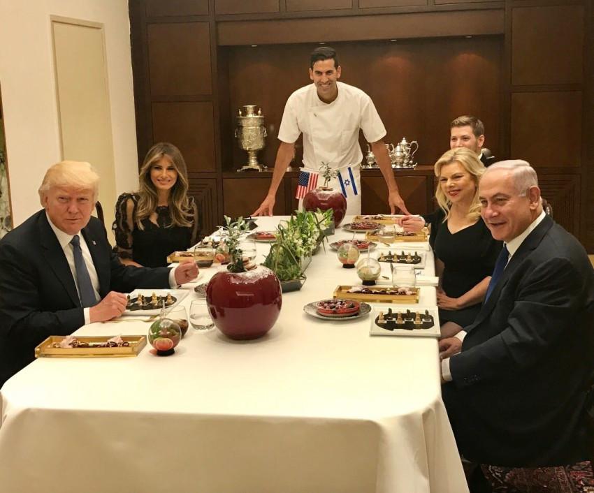 """הכי מכובד. הזוג נתניהו, טראמפ והשף שגב משה (צילום: יח""""צ)"""