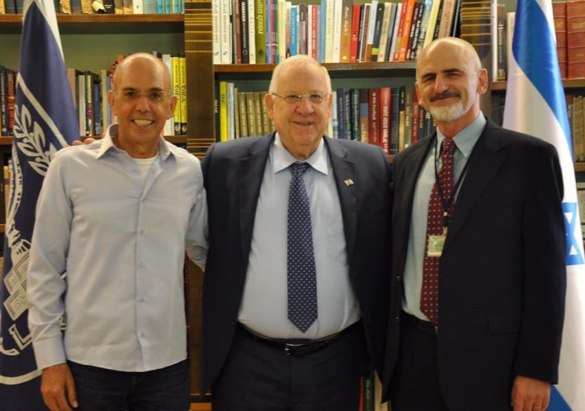יהודה בר שלום, ראובן ריבלין ואבי מויאל (צילום: דוברות בית הנשיא)