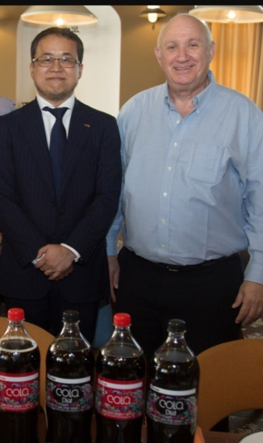 איציק אברכהן וטדאשי סקאשיטה (צילום: סיון פרג')