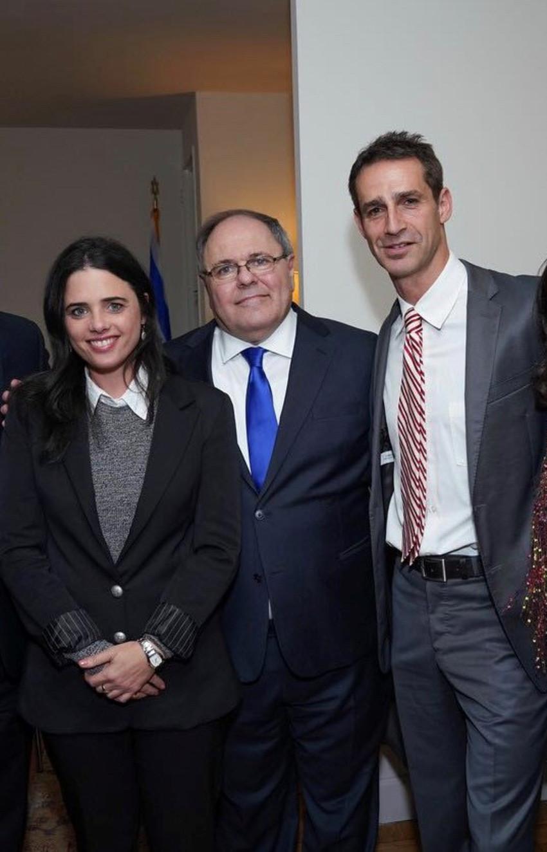 יקי דיין, דני דיין ואיילת שקד (צילום: שחר עזרן)