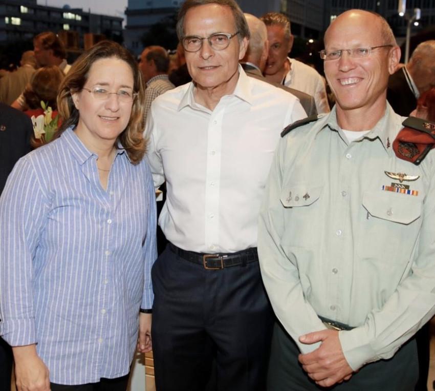 ניצן אלון, אמנון דיק ואילנה דיין (צילום: איציק בירן)