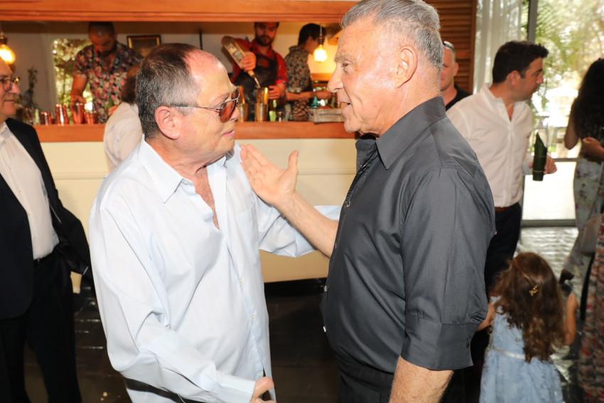 אלי פפושדו ואמנון אברמוביץ׳ (צילום: רפי דלויה)