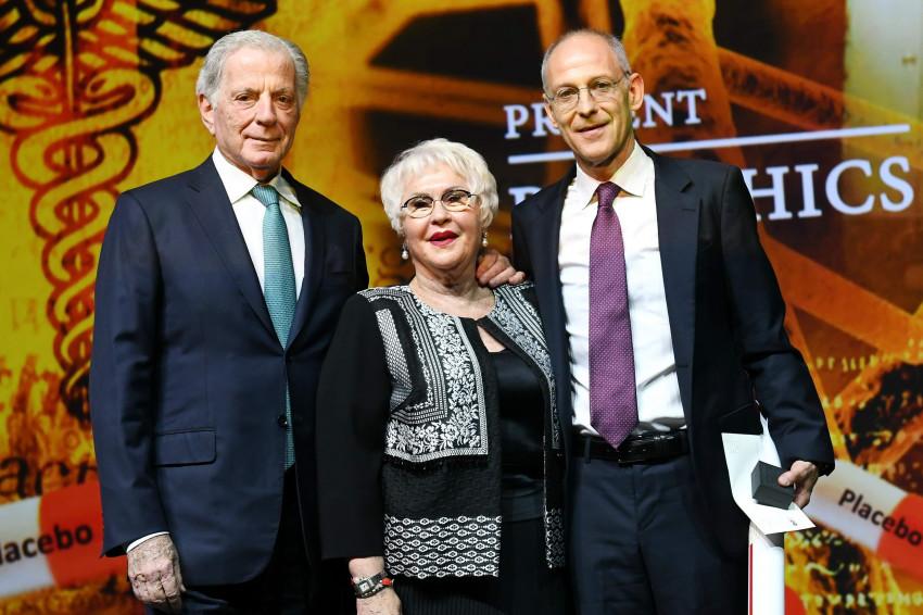 יחזקאל עמנואל, גבריאלה דוד ואיתמר רבינוביץ'  (צילום: ישראל הדרי)