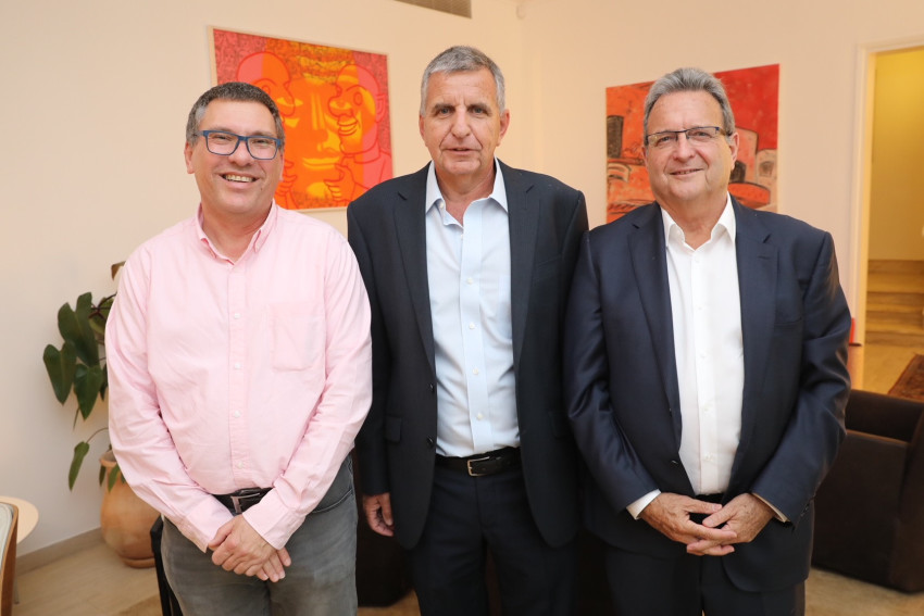 מאיר ברון, אמיר אשל ואורי שרוני. צילום: רפי דלויה