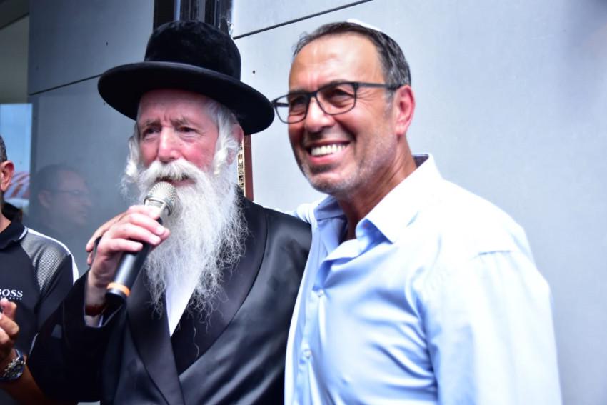ג'ומי פרטוש ודוד גרוסמן (צילום: מגנטלולה)