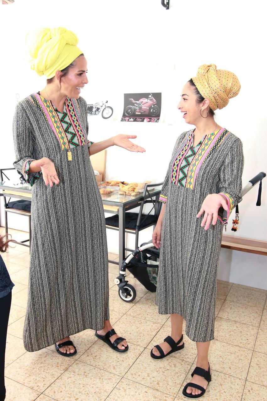 לינור אברג'יל ויפית אטיאס הגיעו במקרה באותה שמלה