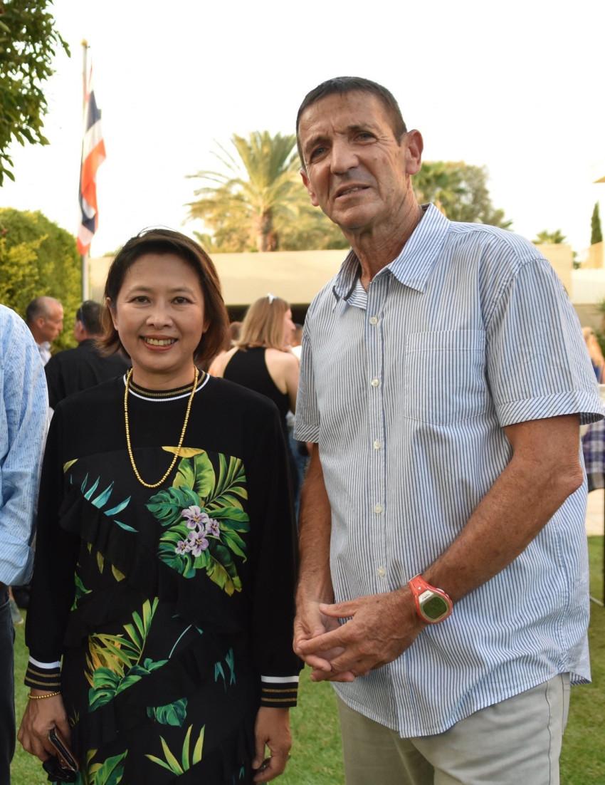 עופר פדן ופנפראפה וונגקוביט (צילום: ראול בלייכמן)