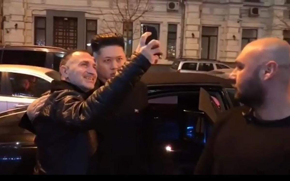 קים ג'ונג און, שלום מיכאלשווילי