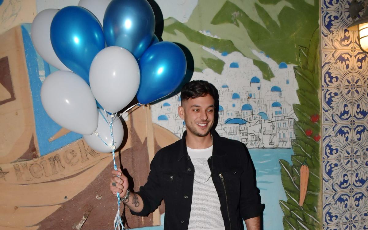 ישראל אוגלבו<br />חוגג יום הולדת בלי<br />החברה וללא האקסית