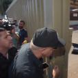 קובי פרץ בכניסה לכלא מעשיהו