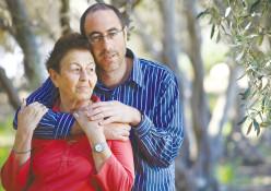 קלמן ליבסקינד עם אמו אביבה