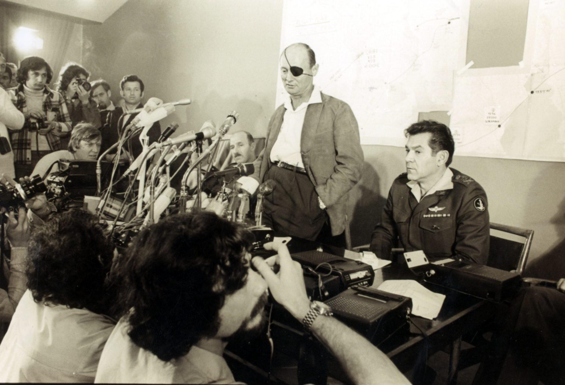 משה דיין ודוד אלעזר, מלחמת יום כיפור 1973. צילום: ארכיון