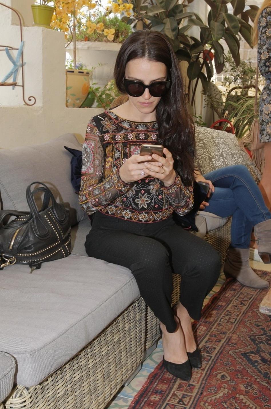 המכנסיים של ברוך. יאנה יוסף מדגמנת