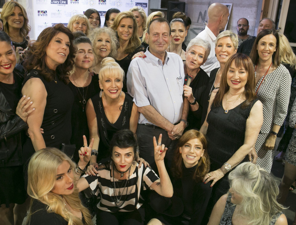 כל החתיכות אצלו! רון חולדאי עם הנשים המדגמנות