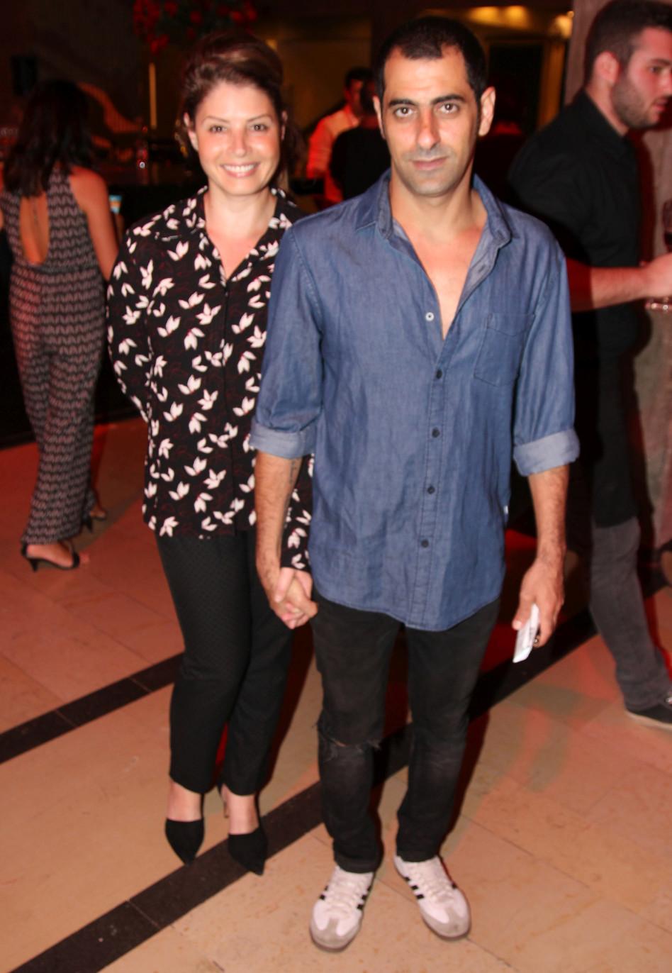 היי, הנה אסי ישראלוף ואשתו!