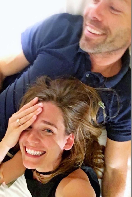 מאורסים. דנה פרידר עם דין שטרן (צילום מסך, פייסבוק)