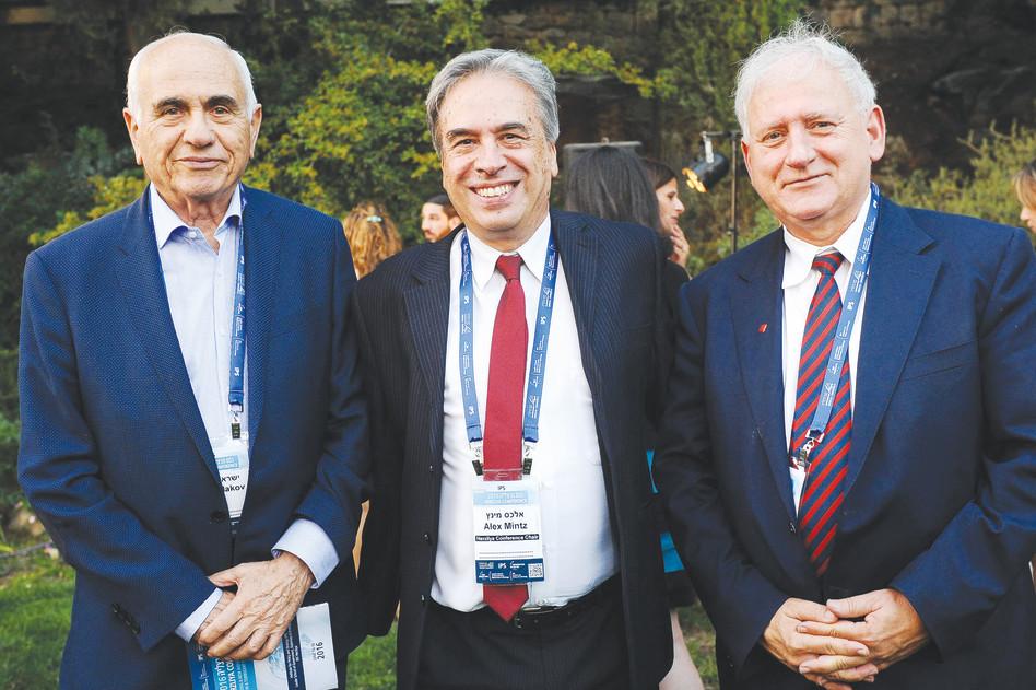 יאיר סרוסי, אלכס מינץ וישראל מקוב (צילום: עדי כהן צדוק)
