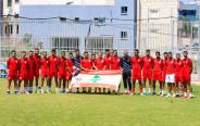 שחקני בני סכנין עם דגל לבנון