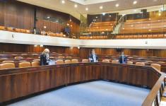 סדרני הכנסת מניחים את ההסכמים הקואליציוניים(סדרני הכנסת מניחים את ההסכמים הקואליציוניים)