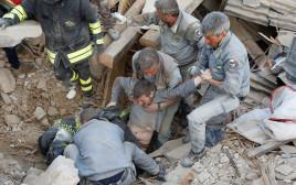 חילוץ נפגעים ברעידת האדמה באיטליה