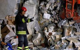 חילוץ ניצולים ברעידת האדמה באיטליה