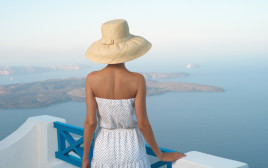 חופשה ביוון, אילוסטרציה