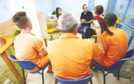 אסירים בכלא מעשיהו