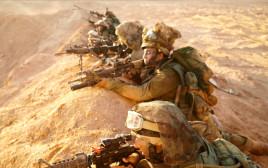 לוחמים ולוחמות יחדיו בגדוד ברדלס