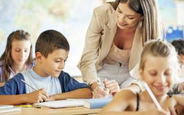 מורה, ילדים, צילום אילוסטרציה