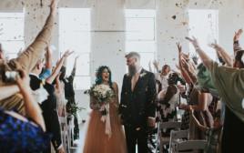 חתונה מרגשת, כלה משותקת הצליחה לרקוד