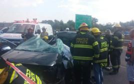 תאונה בין רכב לאוטובוס בכביש 55