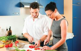בני זוג במטבח, אילוסטרציה