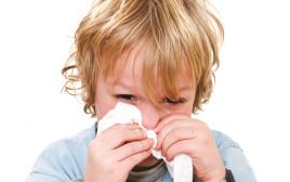 ילד מקנח את האף (אילוסטרציה)