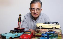 ג'פרי לוי, אספן צעצועים