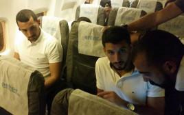 שחקני נבחרת ישראל במטוס