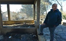 בנימין נתניהו בוחן את נזקי השריפה בחיפה