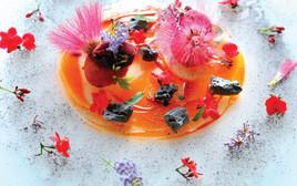 סברינה במילוי קרם וניל, פטל/תות טרי, סורבה פירות יער וגנאש שוקולד תפוז, אוכל, פסקל