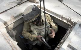 """חייל ביהל""""ם מתרגל חשיפת מנהרות"""