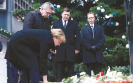 אנגלה מרקל בזירת הפיגוע בברלין