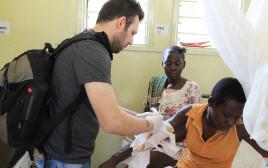 """ד""""ר אריאל ניימן בקומי שבאוגנדה"""