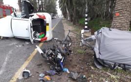 זירת התאונה בין הרכב לקלנועית בפרדס חנה