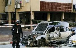 ניסיון חיסול בחולון, פיצוץ רכב