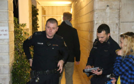 רימון הלם נזרק לביתו של שף מפורסם, תל אביב
