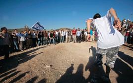 פעילי ימין עולים לחומש הנטושה, ארכיון