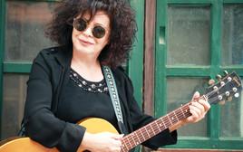 הזמרת שרי