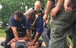 היורה במיסיסיפי ברגע המעצר