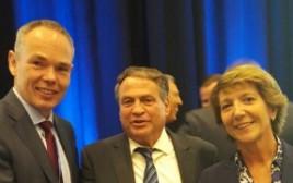 עוזי דיין עם נשיא ה-EL האנסג'ורג' אולטמאייר והסגנית סטפני פאלז מצרפת