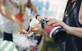 ייקבי רמת הגולן, עגלת יינות